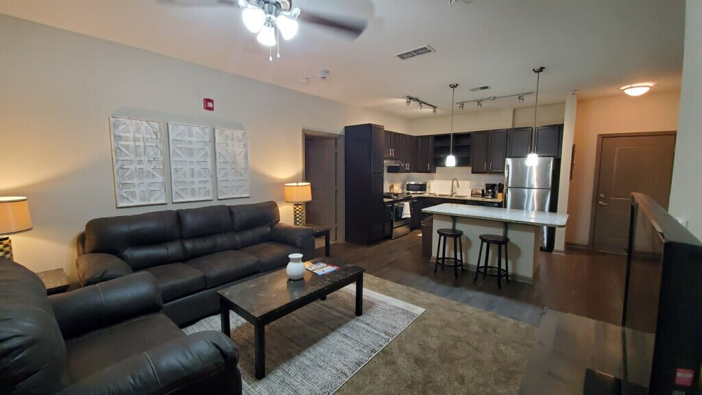 2 Bed 2 Bath Minutes from Downtown